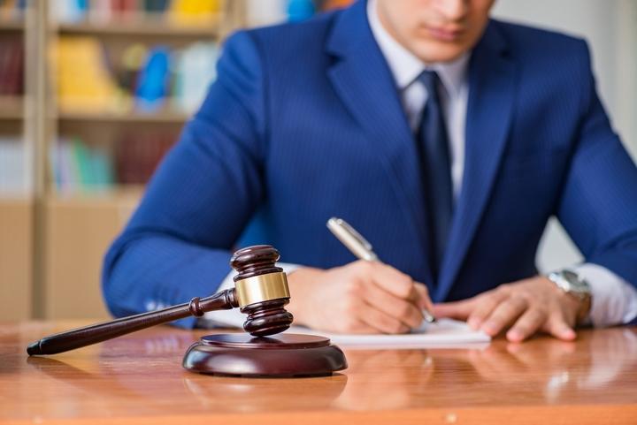 Derecho Administrativo y Constitucional (Viernes)